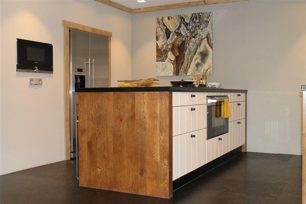 Zeer luxe kookeiland 13 43833 - Uitgeruste keuken met bar ...